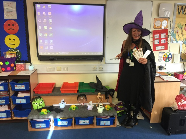 Games and speaking activities to practise our spookiest language learning with familar language!