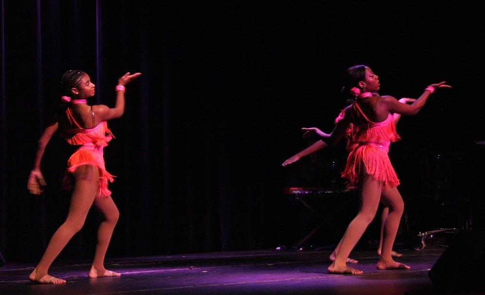 franklin tribute dancers5.jpg