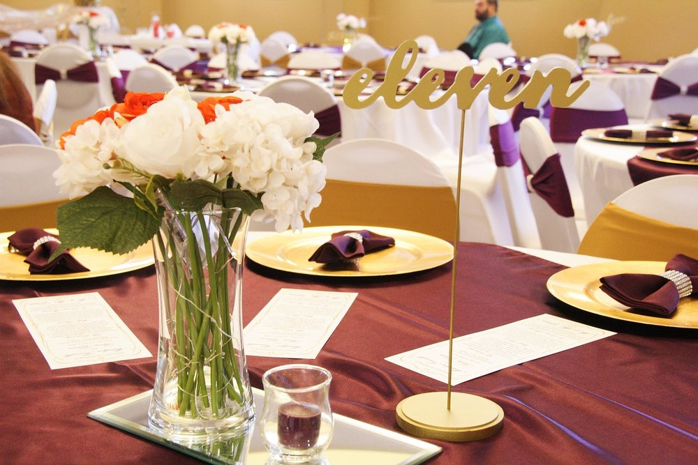 banquet room 2.jpg
