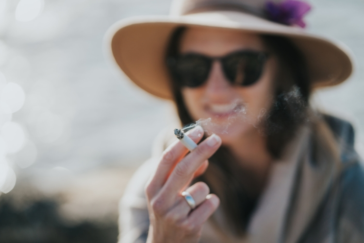 Do you know your smoking etiquette?