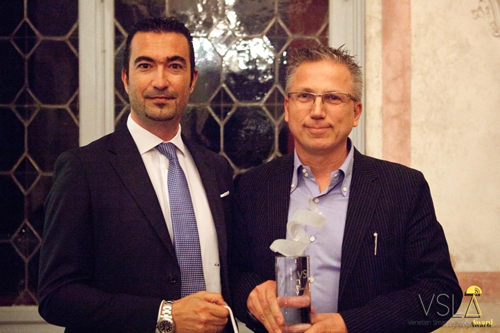 Salvatore Maciullo (Amex) premia Luci Italiane