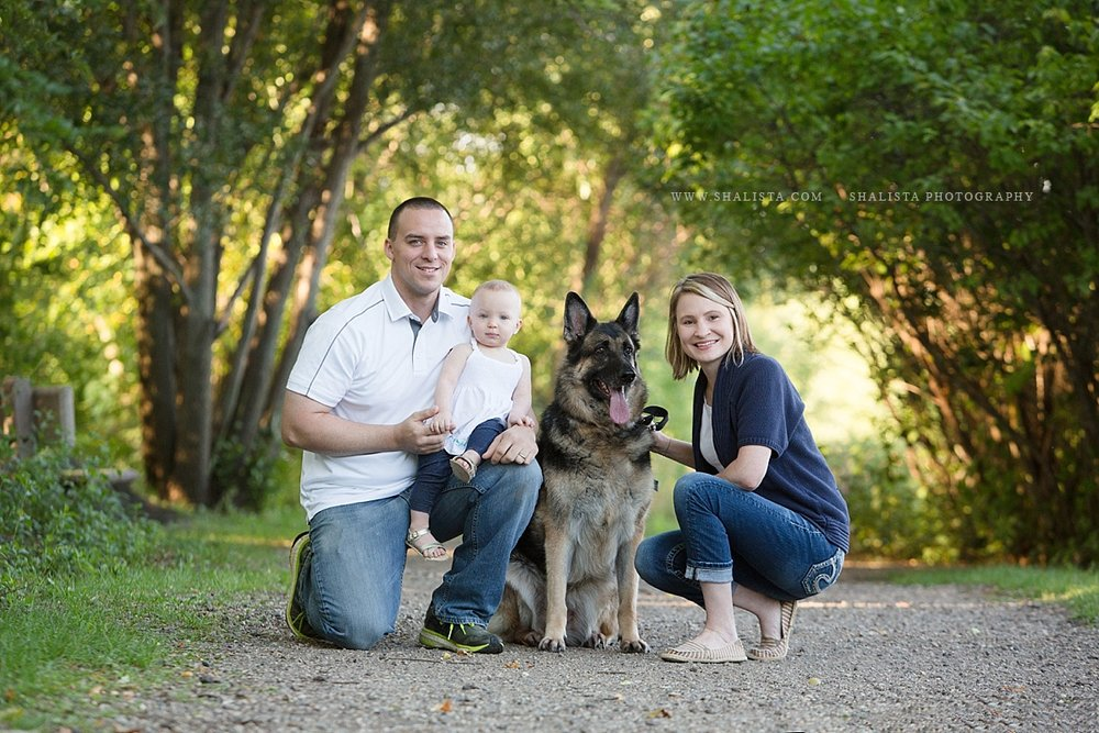 Sioux Falls Family Pet Photographer with German Shepherd