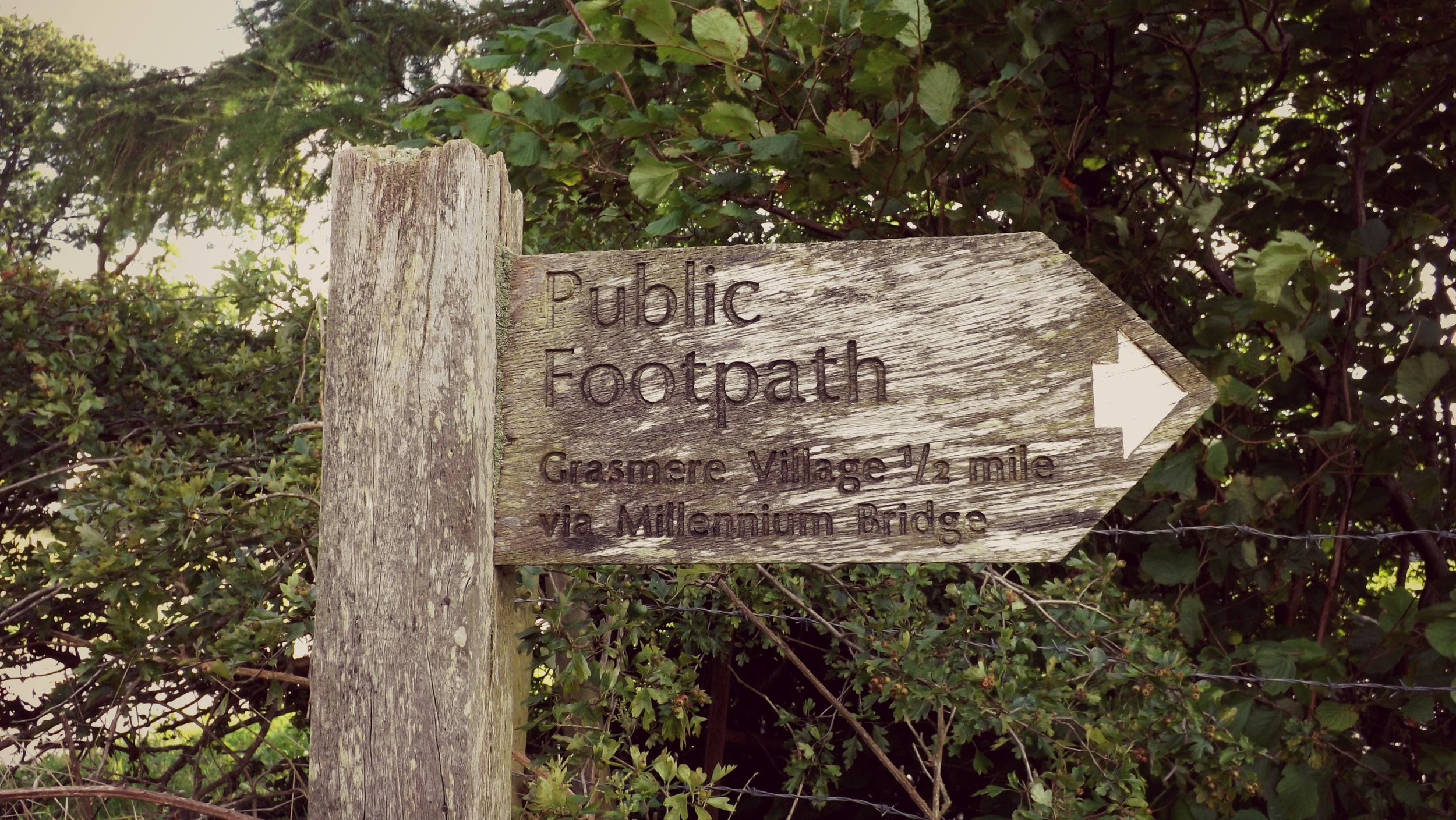 Footpath-Sign-Creative-Countryside