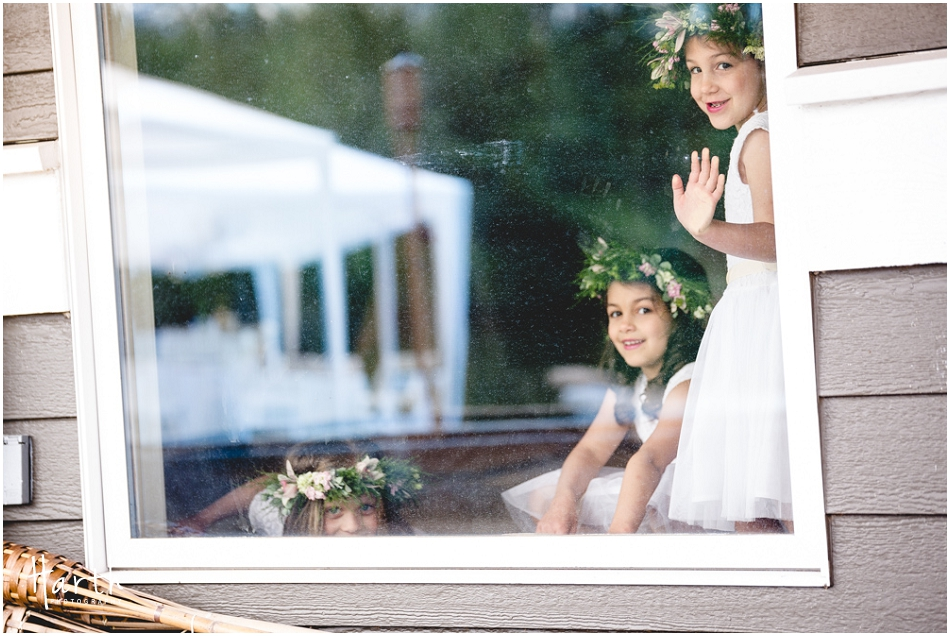 Flower Girls in the window - Harth Photography