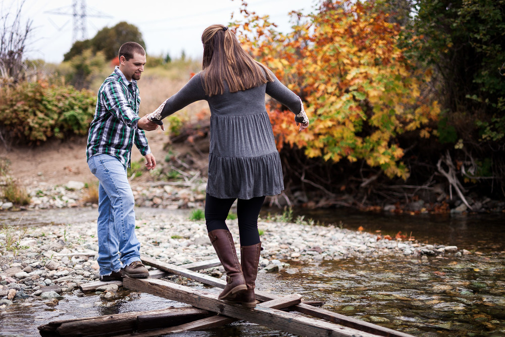 Crossing Big Creek Cle Elum Engagement