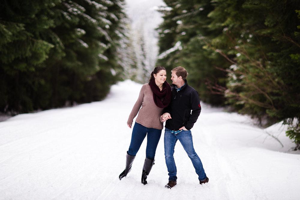 snoqualmie-winter-wedding-engagement-050.jpg
