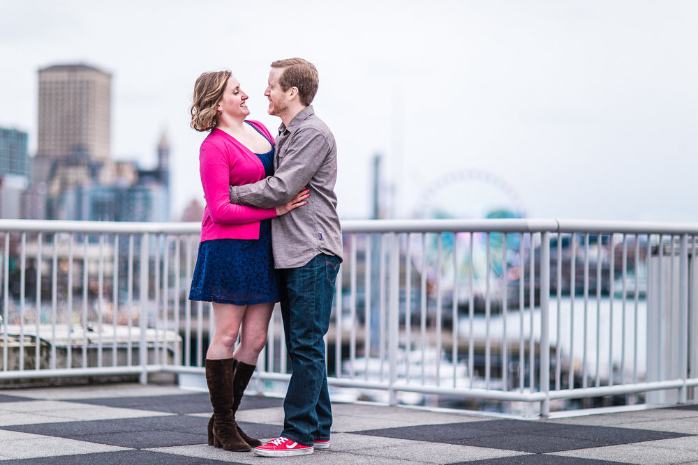 pike-place-seattle-engagement-083.jpg