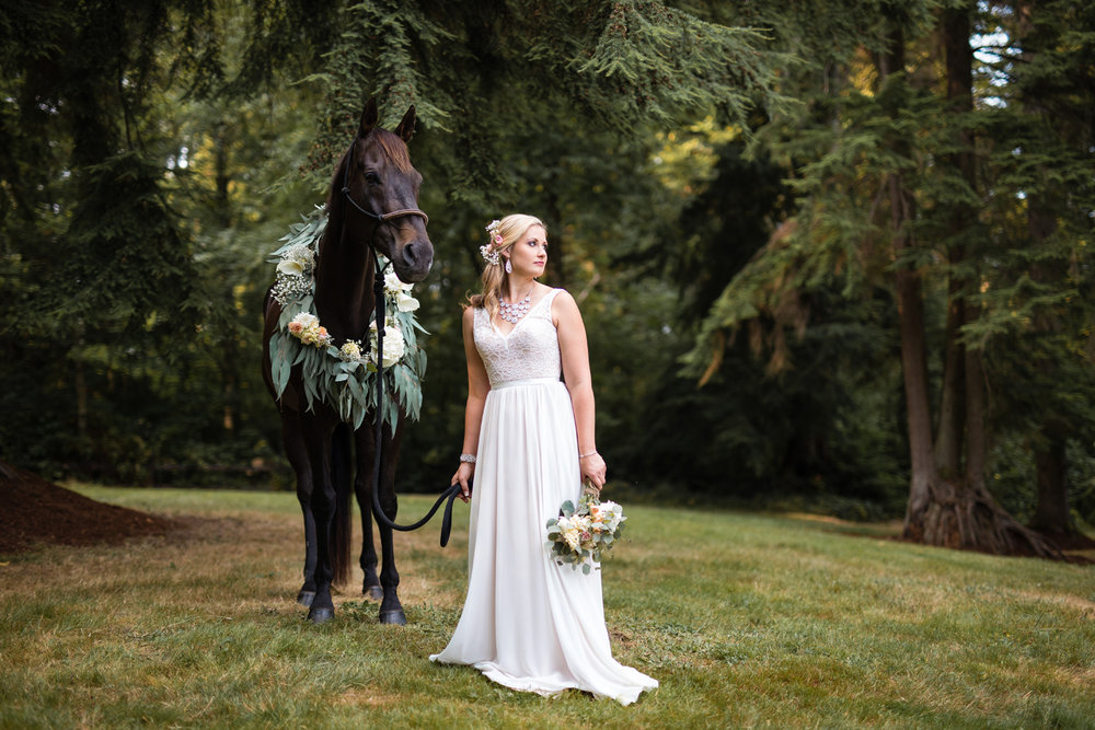 Snohomish Wedding Photographer | Horse and Bride