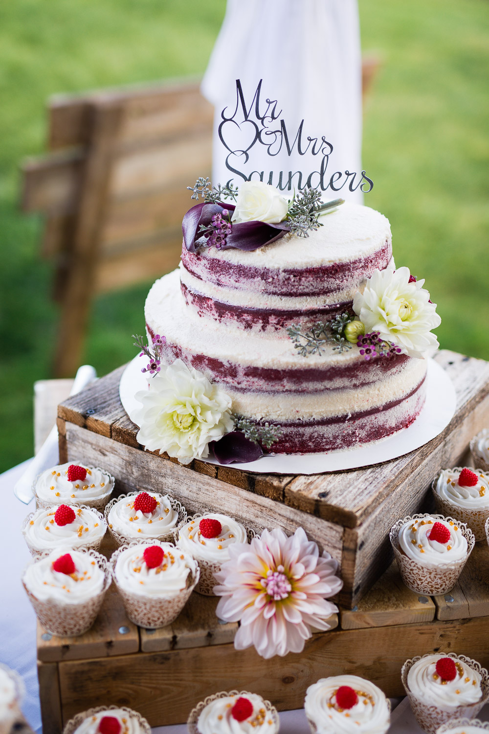 Professional Wedding Cakes and Desserts