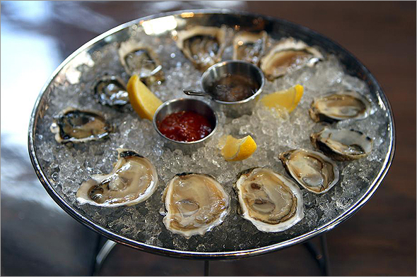 East Coast, West Coast, Gulf Coast.  Explore the nuances in this comprehensive oyster class!