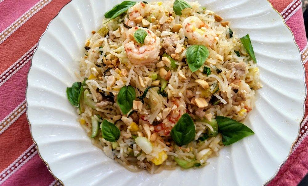 Thai Style Shrimp with Rice Noodles