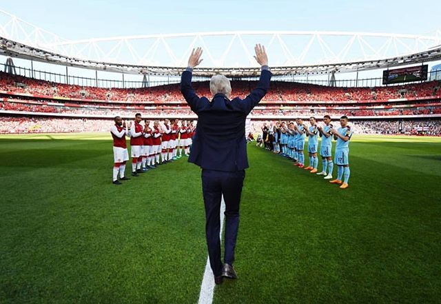 #merciarsene - pretty cool to have the Rochester Gooners banner hanging at the Emirates for the bosses last home match. 🔴⚪️ ..... · · · · · · · #arsenal #afc #arsenalfc #gooners #gunners #london #northlondon #northlondonisred #emirates #football #soccer #premierleague #england #greatbritain #arsenalamerica #thearsenal #arsenalfans #wearethearsenal #arsenalfan #arsenaltillidie #rochesterny