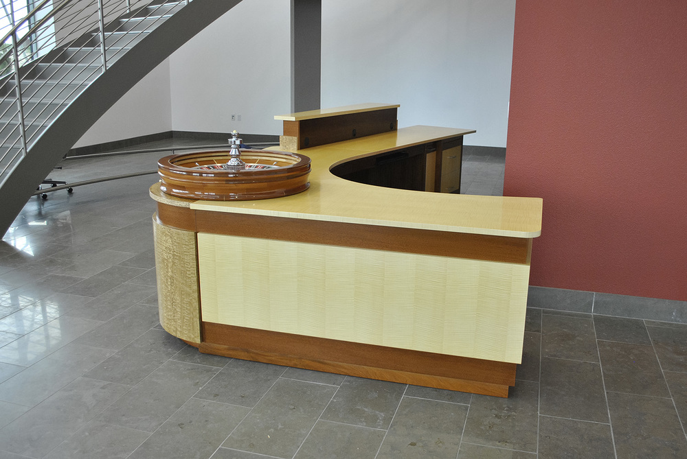 Custom-Contemporary-reception-desk-4.jpg