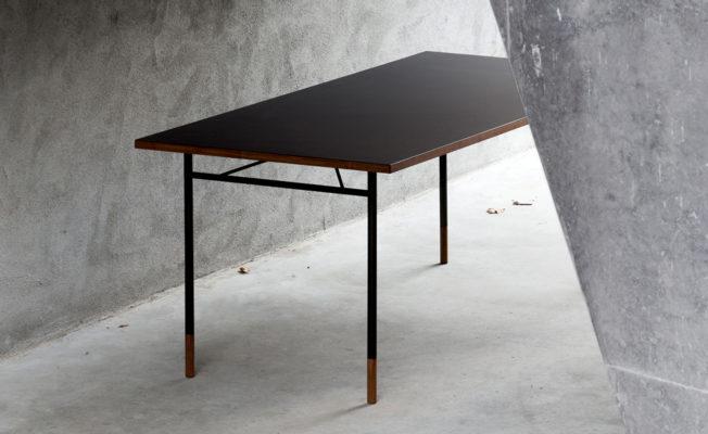 Nyhavn-Desk-House-of-Finn-Juhl-8-652x400.jpg