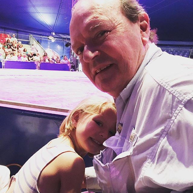 At the circus with grandpa!!! 🐘🐅🎪🤹🏻‍♀️