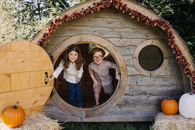 Planning some fall mini sessions in a freaking HOBBIT HOUSE!!! October 20th, 1pm-6pm. 20 minutes//5 images//$99 Want in? The link is in my bio!