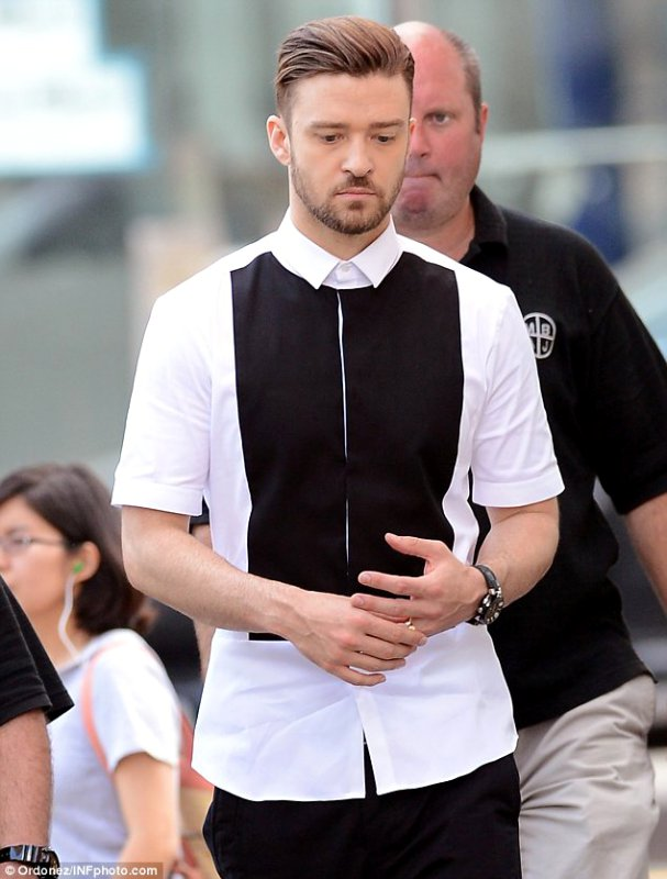 justin-timberlake-shoots-take-back-the-night-in-nyc-chinatown