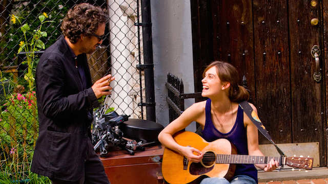 mark-ruffalo-and-keira-knightley-in-begin-again-