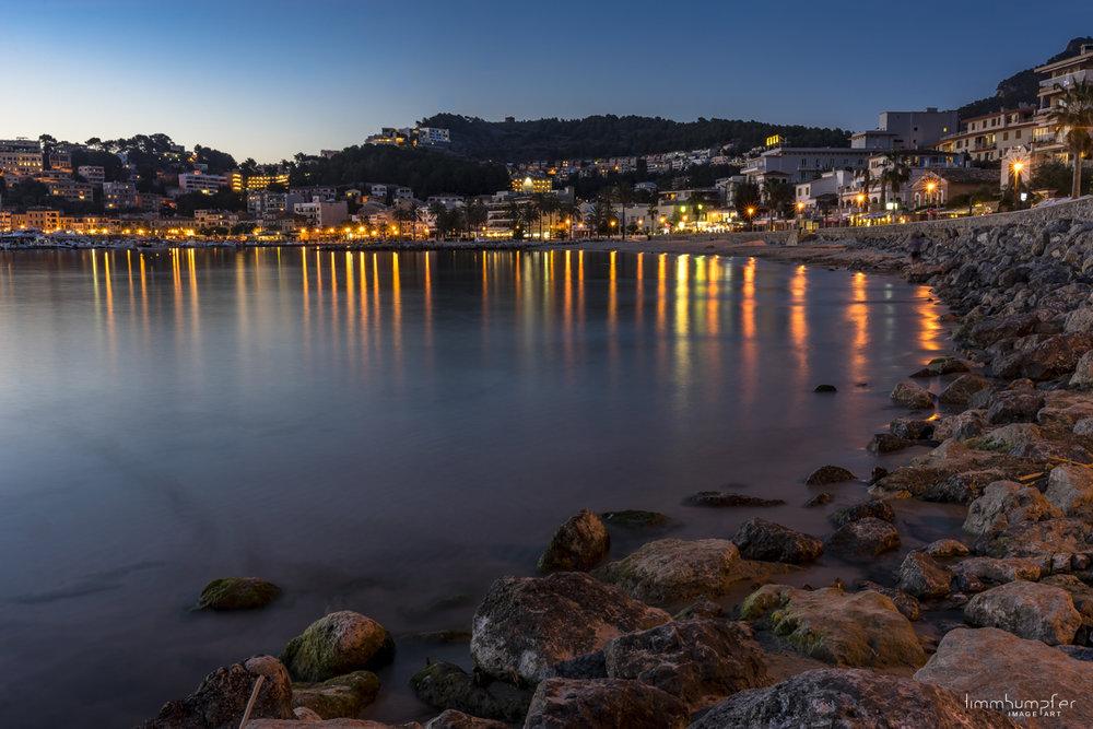 Wunderschöne Abendstimmung in der Bucht von Port d' Sòller.