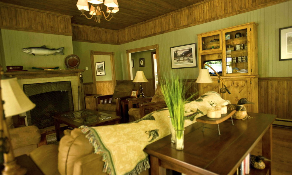 salmon lodge inside.jpg