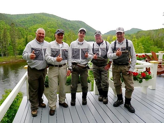 De gauche à droite: Yvan, Clement,Charles, Larry et Pat.