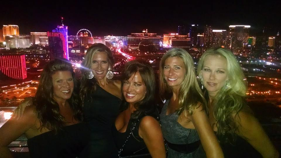 Kelly's Vegas Wedding Group 1.jpg