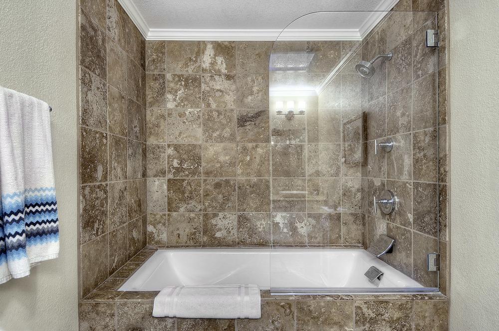 master-bath1b.jpg