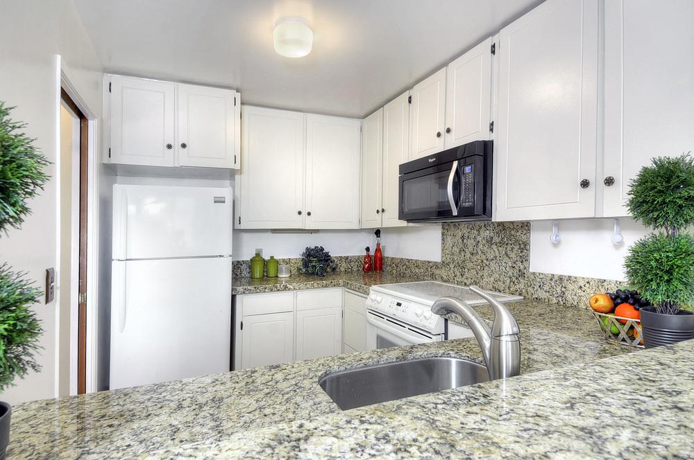 kitchen1a (2).jpg