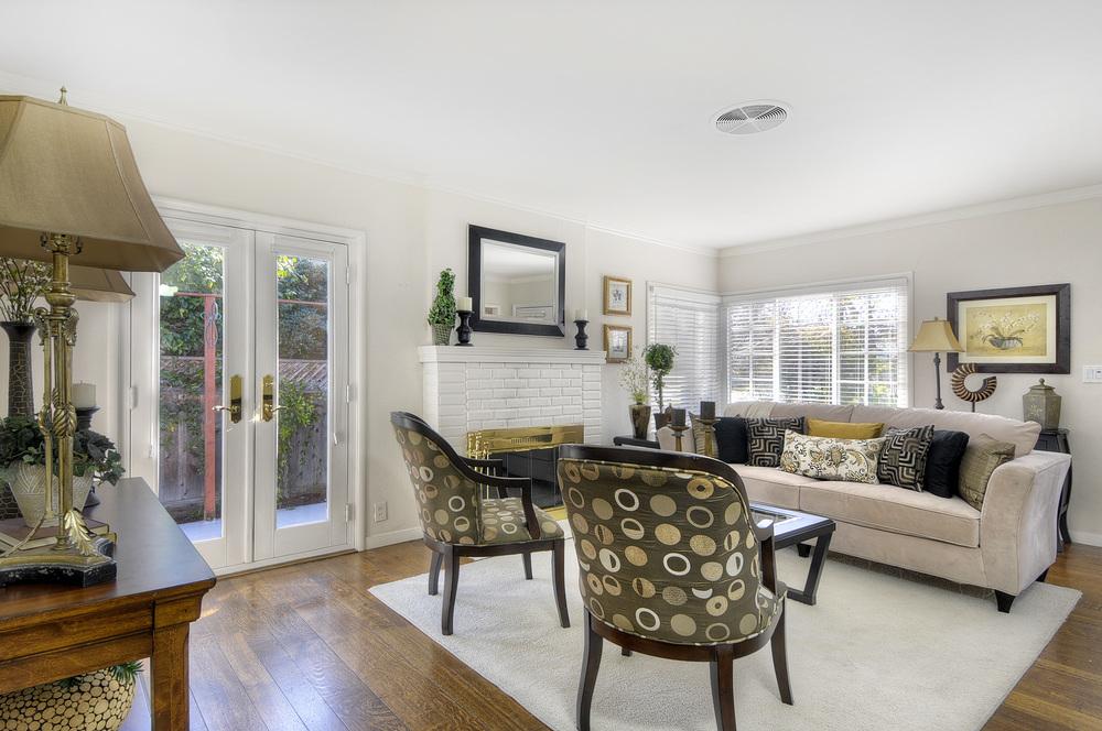 living-room1b (1).jpg