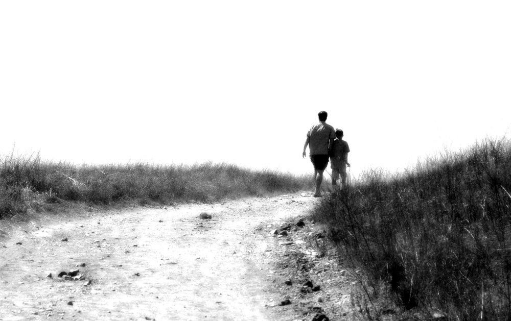 taking-a-walk-1510207.jpg