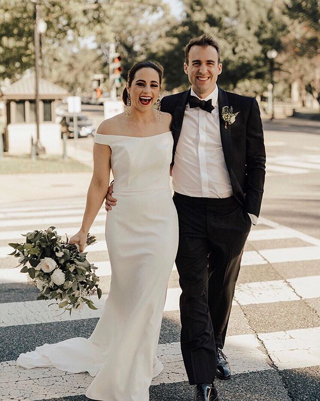 When your couples slay all day everyday! 🙌🏽 . — photo: @kempcollective | coordination + design: @abeyoutifulfete | hair + makeup: @stylemebar | bouquet: @floralandbloom | dress: @annebarge | tux: @ted_baker . — #brideandgroom #fall #bouquet #florals #justmarried #stylemepretty #shesaidyes #newlyweds #imengaged #dcwedding #washingtonianwesdings #dcweddingplanner #floraldesign #weddingdress #greenery #weddingday #ohhappyday #weddingportraits #weddinginspiration #thatsdarling #youbeyou #communityovercompetition #thehappynow #photooftheday #bestfriend #bestofday #fashion #bridetobe #creativewedding #instagood
