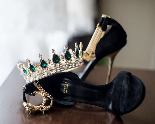 Who else is ready for GoT Season 8 tomorrow? I totally think #khaleesi would have rocked this crown and these stunning @versace heels on her big day if heels existed in #GoT! . — Yaasss Queen 🙌🏽👸🏽 to our fabulous bride who rocked these accessories on her big day as the perfect nod for her love of Game of Thrones! This Game of Thrones inspired wedding at The Mellon was definitely one for the books! 😍 . — planning + design: @abeyoutifulfete| photo: @eliturnerstudios | venue: @mellonauditorium_event emissary | florals: @bluevandadesigns | rentals: @dcreventrentals | lighting: @summiteventlighting  menus: @jennhellerdesignco + @curiousfoxpress | dance floor: @fabeventsdc . — #got #gameofthrones #versace #andrewmellonauditorium #washingtondcwedding #summerwedding #royals #crown #dailydoseofcolor #naturallight #gameofthroneswedding #luxewedding #elegance #simplicity #collaborations #shoeaddict #shoeporn #abeyoutifulfete #blackandgold #golddetails #yassqueen #abfexperience #luxurywedding #swoonworthy #washintonianweddings #dcweddingplanner #velvetshoes #washingtondcweddingplanner #countdown