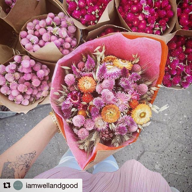 Finally! There's research to support our flower obsession🙌🏼 · · ·  Happy weekend! You can find us where the flowers are.... ・・・ ・・・ #Repost @iamwellandgood with @get_repost ・・・ Buying flowers can actually spark creativity, boost your mood, and more. Tap the link in our bio for more science-backed reasons you should buy yourself flowers. #iamwellandgood #regramlove @veggiekins