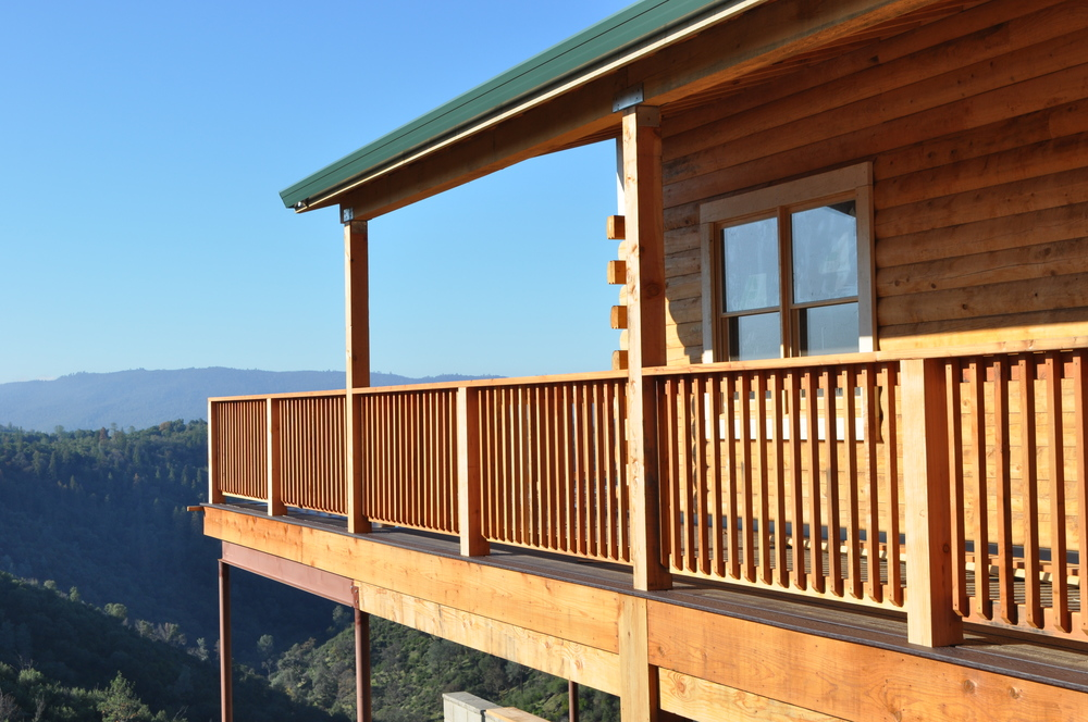 Dubin - Exterior Side deck.JPG