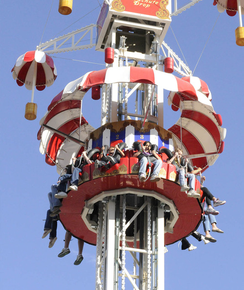 image of a group of kids riding the Parachute Drop