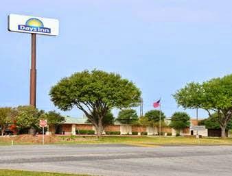 Days Inn Seguin Address:2950 N Hwy 123 Bypass, Seguin, TX 78155 Phone:(830) 372-0860