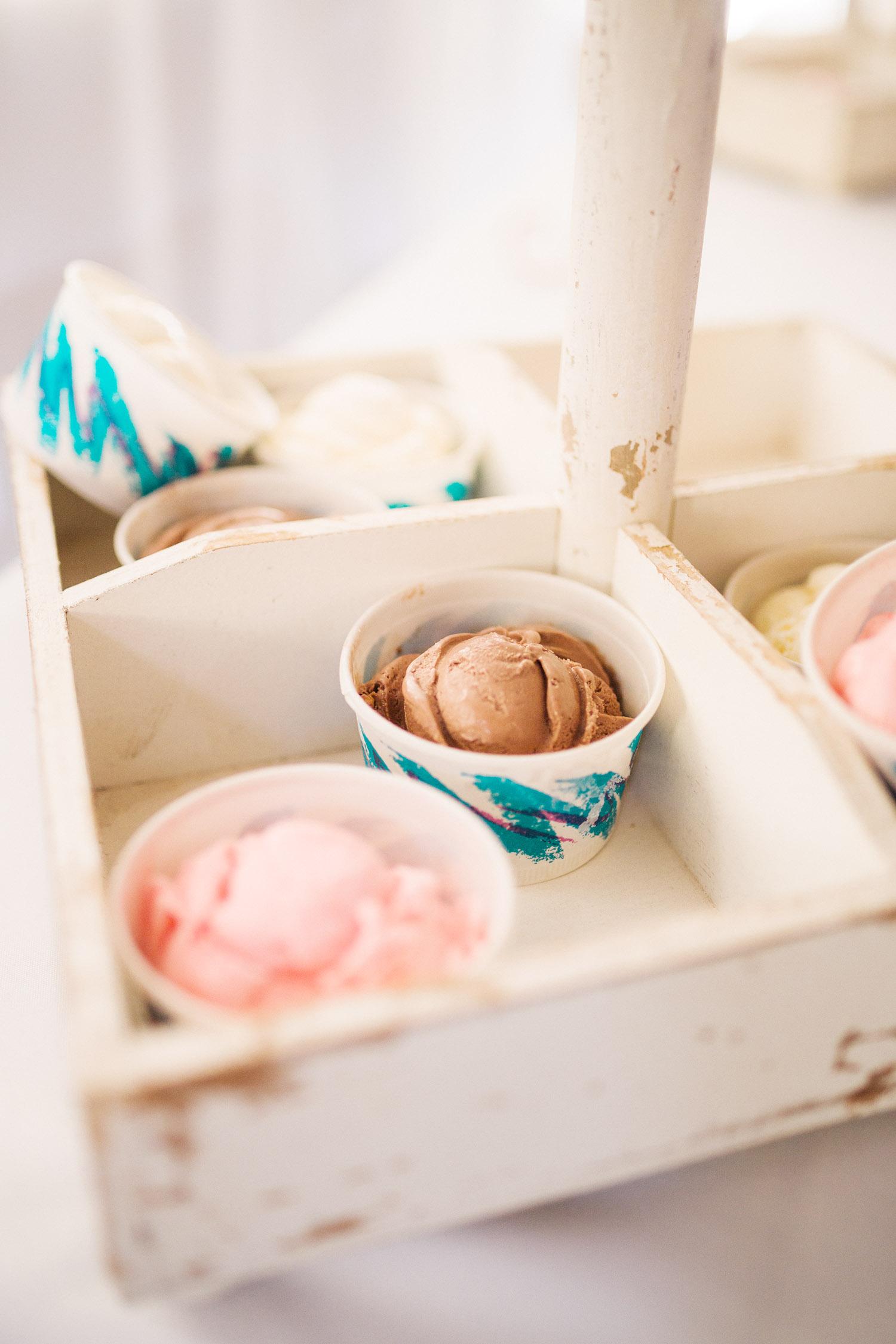 Outdoor Wedding reception ideas - Ice Cream