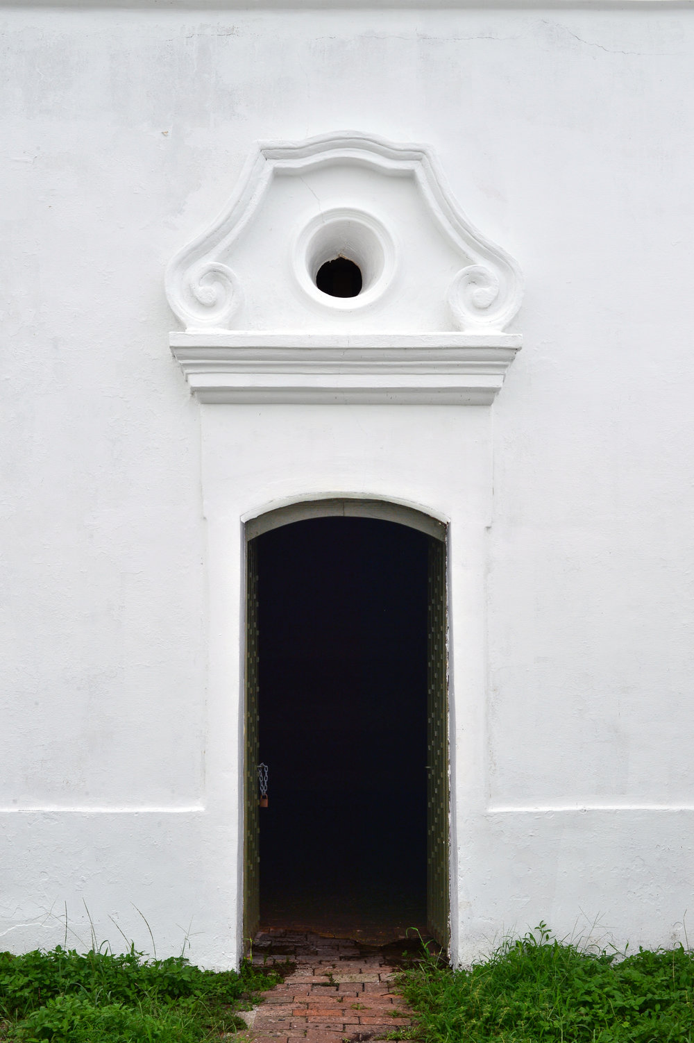 spanish fort doorway.jpg