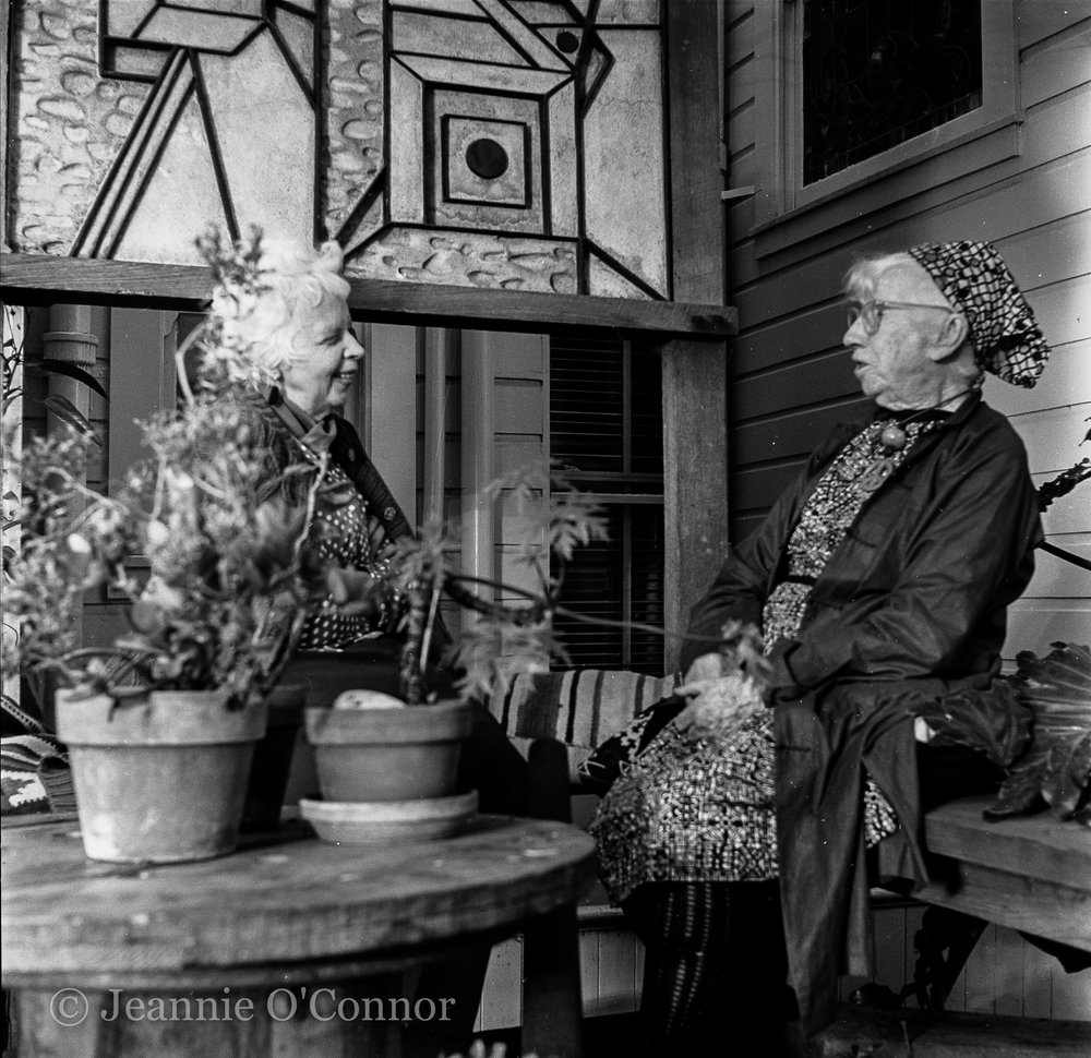 Imogen Cunningham and Lisette Model in Imogen's garden 2
