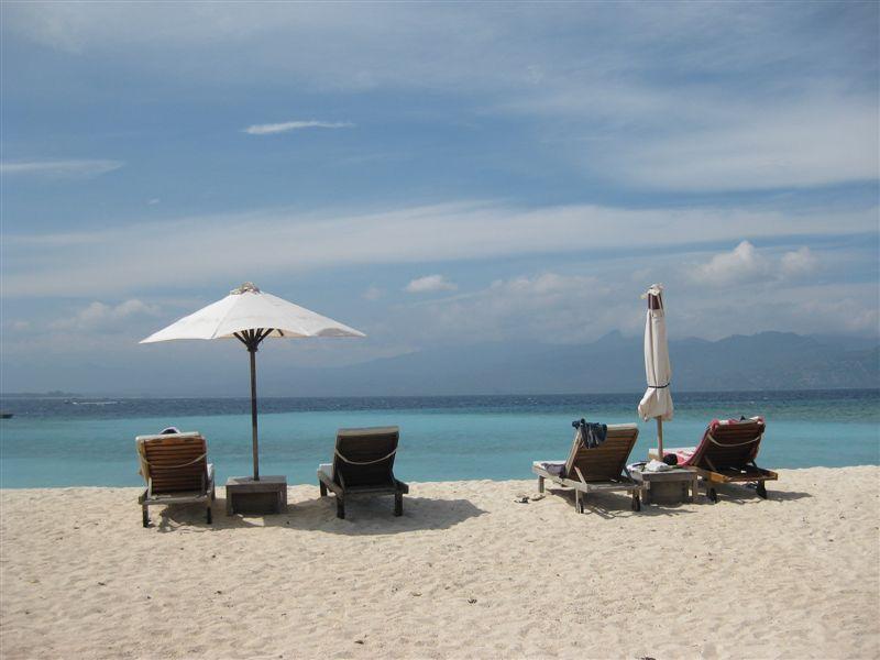 Gili-T-beach1