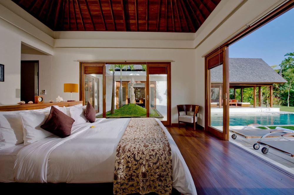 Villa Bima - Master bedroom.jpg