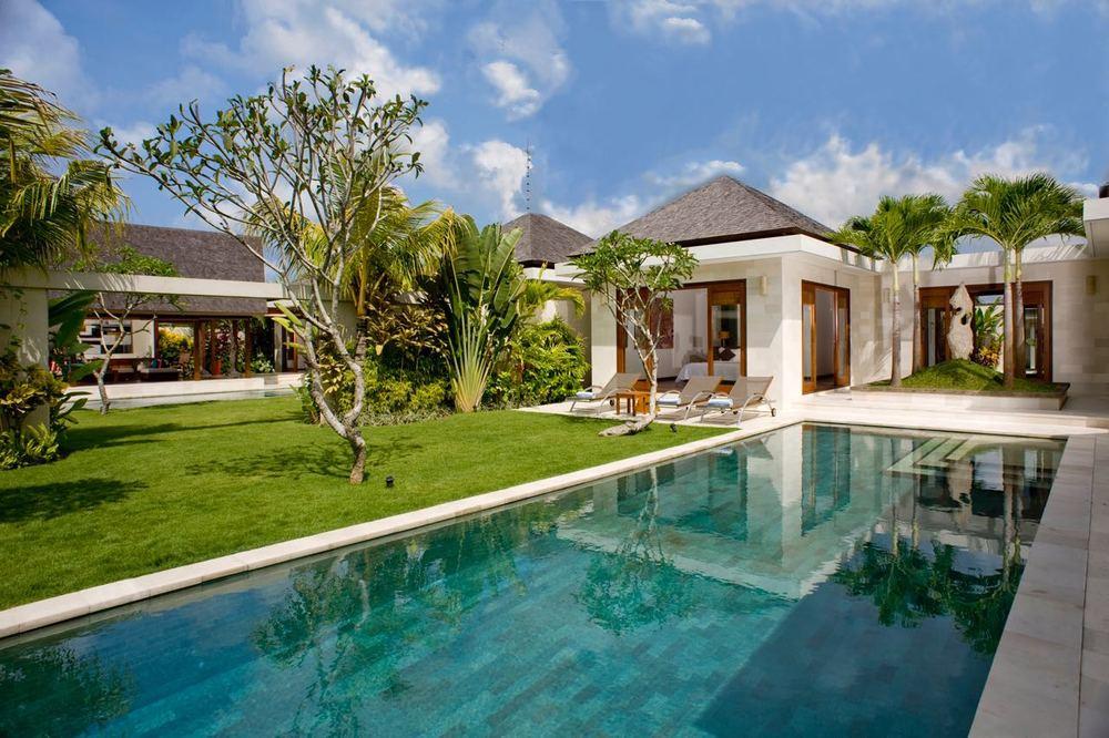 Villa Bima - Private pool.jpg