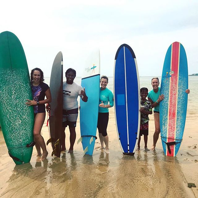 Morning surf with this crew on Baby Reef - so much fun on small but friendly waves. Loving our local break in the rainy season 😎🏄‍♀️🙏🏻