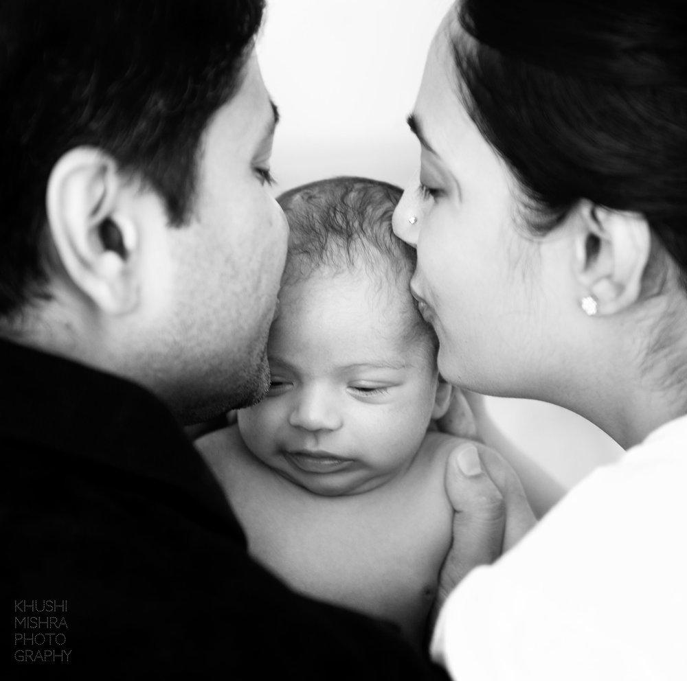 9_Newborn Session_Family Portrait.jpg