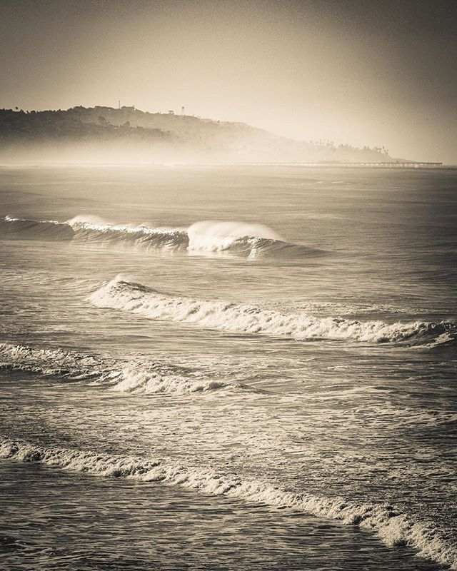 Really loving the #peaceful #vintage #socal feel of this #early #morning shot at Law St. in #PacificBeach. #PB never looks like this. #surfing #beachlife #morningfog #sunrise #waves #wavelove #peace #serenity