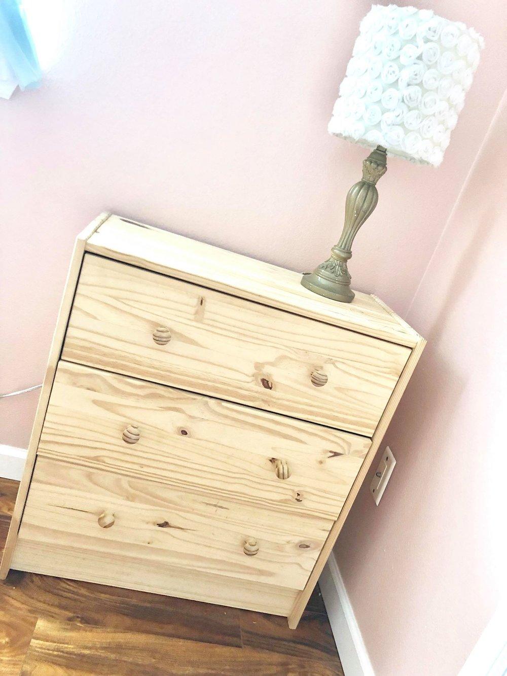 dressers23.jpg