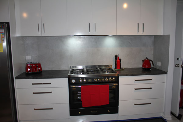 Venetian plaster splash back