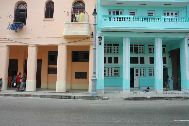 Just practicing my street photography skills with Habana's colorful buildings.