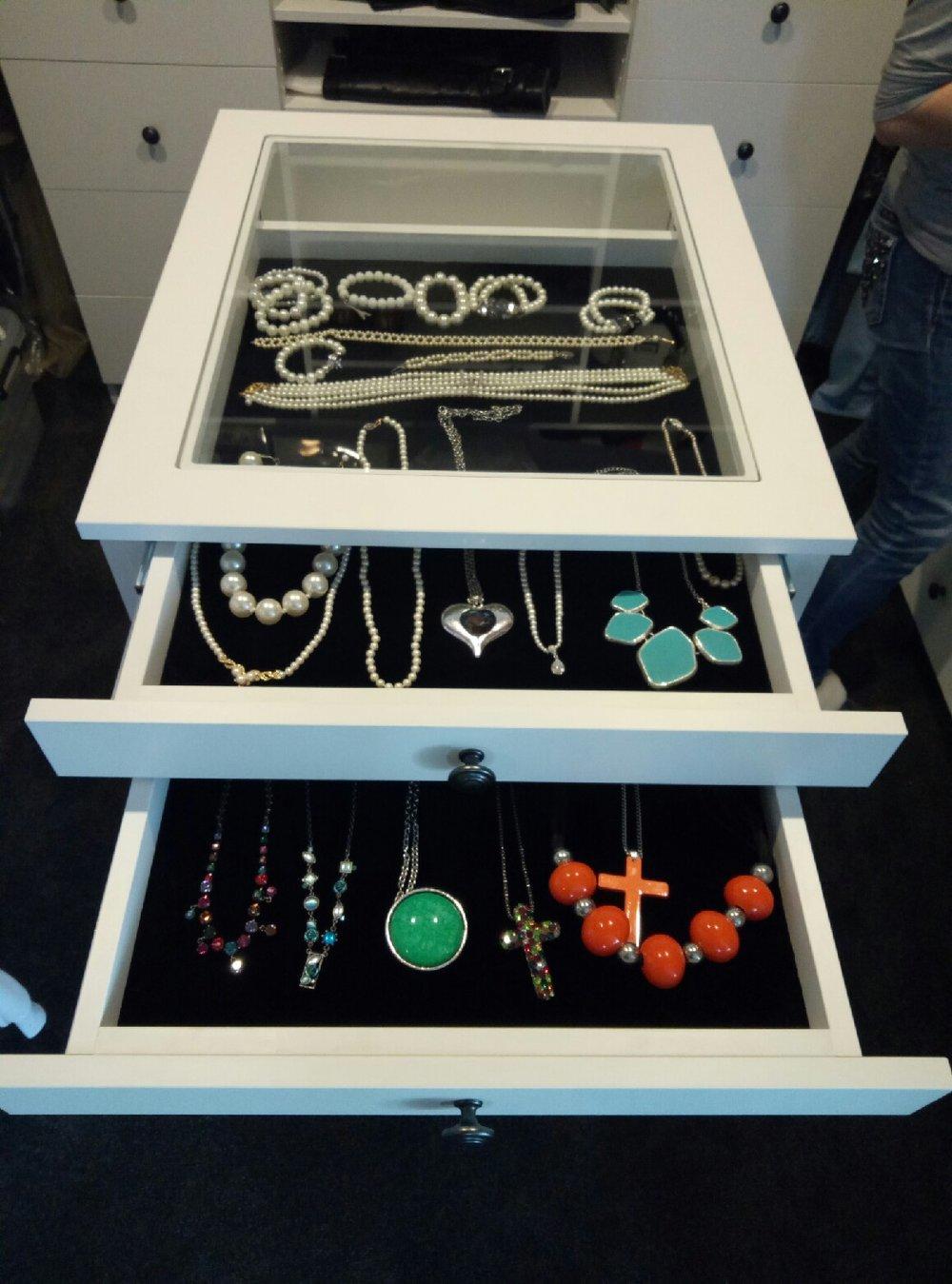 JewelleryCabinet2.jpg