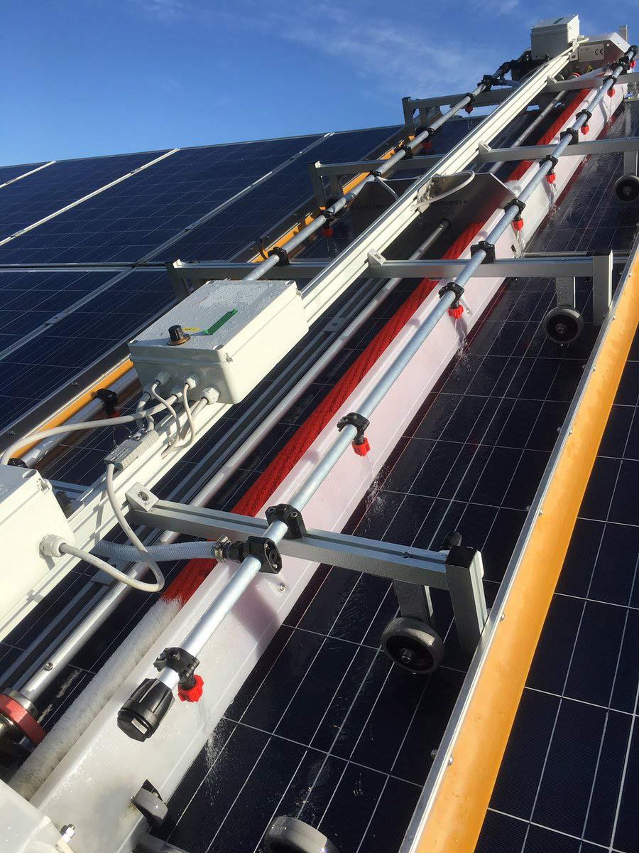 Solar Sparkle cleaning process uses de-ionised water